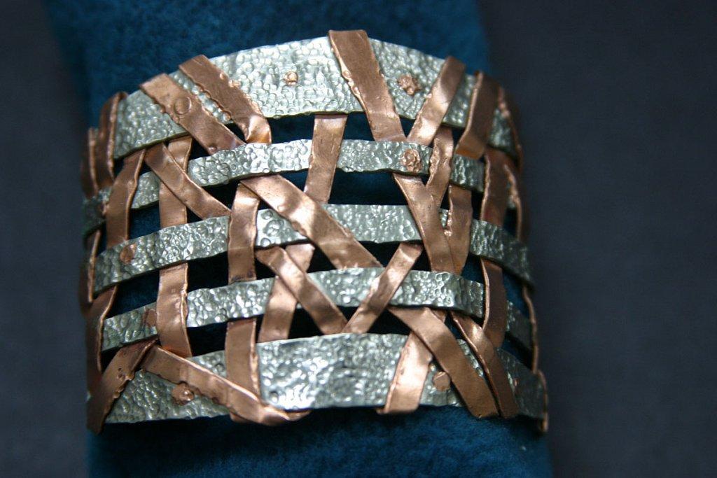 bracelet-woven.jpg