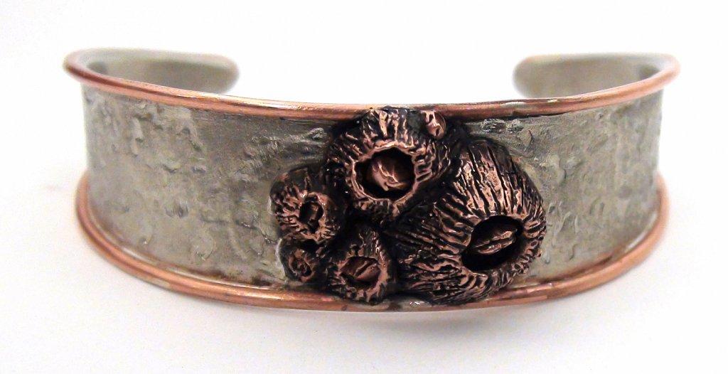 Barnacle Cluster Bracelet front veiw